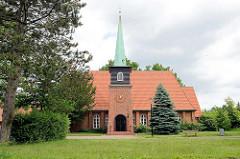 Evangelische Segenskirche in Barsbüttel - erbaut 1954; Architektur der 1960er Jahre.