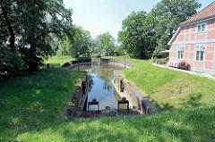 Die Palmschleuse ist eine Kammerschleuse in Lauenburg/Elbe in Schleswig-Holstein, sie ist die älteste Kammerschleuse (Kesselschleuse) Europas. Die Palmschleuse wurde 1398 im Verlauf des Stecknitzkanals komplett aus Holz gebaut und war eine von 15