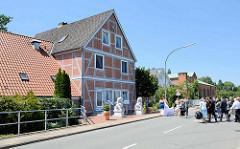 Fachwerkgebäude / Restaurant und altes Elektrizitätswerk an der Palmschleuse in Lauenburg.