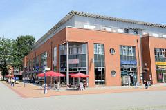 Fussgängerpassage / Einkaufszentrum Echardusstieg in Wentorf bei Hamburg.