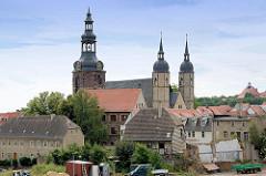 Blick zur St. Andreas Kirche in der Lutherstadt Eisleben - die Pfarrkiche in der Eisleber Altstadt hat eine spätgotische Halle mit dreischiffigem Chor. Martin Luther hielt in der Zeit vom 31. Januar bis zum 15. Februar 1546 seine vier letzten Predigt