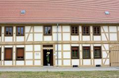 Altes Fachwerkhaus in Oranienbaum - barocker Ackerbürgerhof für Landwirtschaft und Tabakbau.