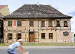 Historisches Fachwerkhaus in Coswig - Simonetti Haus, 1699 als Adelssitz errichtet. Dann Nutzung als Gasthof und Pflegeheim / Wohnhaus.