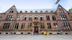 Gebäude Postamt am Schlossplatz in der Lutherstadt Eisleben.