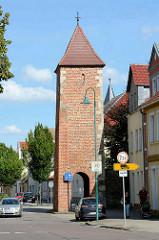 Alte Wehranlage der Stadt Aken / Elbe - Burgtorturm, erbaut 1288 zur jetzigen Form umgebaut um 1500.