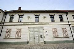Historische Architektur am Marktplatz von Oranienbaum - Schmiede.