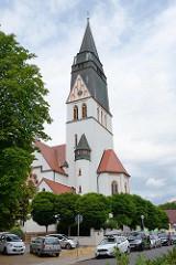 Kirchturm der katholischen Kirche St. Gertrud in Eisleben, geweiht 1916.
