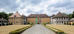 Schloss Oranienbaum - erbaut 1685 als Sommersitz für die Fürstin Henriette Catharina, Gemahlin von Fürst Johann Georg II. von Anhalt-Dessau; Teil vom Gartenreich Dessau-Wörlitz, das seit 2000 zum UNESCO-Weltkulturerbe gehört.