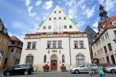 Historisches Rathaus der Lutherstadt Eisleben, erbaut 1531 - Stilelemente der Spätgotik und Renaissance.