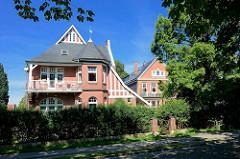 Wohnen im Grünen - Vorstadtvilla im Villenviertel von Hamburg Bergedorf.