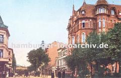 Blick in die Holstenstrasse in Hamburg Bergedorf ca. 1906 - das repräsentative Backsteingebäude im Architekturstil der Gründerzeit / Historismus entworfen steht am Weiher, der durch die gestaute Bille gebildet wird. Kutschen und Pferdewagen fahre