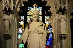 Christusfigur / Hochaltar in der Schlosskirche von Lutherstadt Wittenberg.