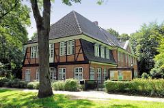 Stavenhagenhaus in Hamburg Groß Borstel - barocker Backsteingebäude aus dem frühen 18. Jahrhundert.