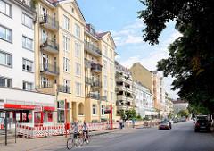 Wohn- und Geschäftshäuser im Hofweg von Hamburg Uhlenhorst.