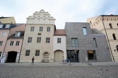 Wohnhaus / Sterbeort von Pilipp Melanchthon - Melanchthonhaus in der Lutherstadt Wittenberg, errichtet 1536 - steht seit 1996 auf der Liste der UNESCO Welterbestätten. Neubau des Nachbargebäudes entstand 2013 ein Museum / Ausstellungsgebäude über Ph