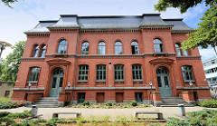 Historisches Schulgebäude - Backsteinarchitektur in Lutherstadt Wittenberg.