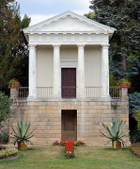 Flora Tempel im Wörlitzer Park - Er diente zur Zeit des Fürsten Franz als Musikpavillon.