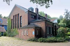 Ehem. Betriebsgebäude vom Betriebswerk Lokstedt, jetzt Gewerberaum Bei der Pulvermühle in Hamburg Niendorf.