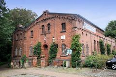 Turnhalle (Jahn-Turnhalle), Backsteinbau von 1885 - historische Sportstätte in Lutherstadt Wittenberg.
