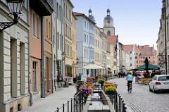 Blick vom Markt der Lutherstadt Wittenberg in die Schlossstrasse.