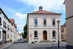 Rathaus von Wörlitz, erbaut 1792 - 95 von Friedrich Wilhelm von Erdmannsdorff.