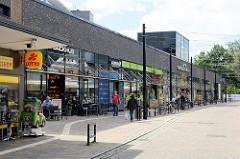 Neu errichtetes Einkaufscentrum Am Tarpenufer in Norderstedt - u. a. Filiale Alnatura.