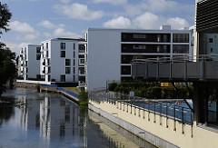 Neubauten / Wohnhäuser an der Bille in Hamburg Bergedorf - ehem. Areal vom Freibad / Stadtbad.