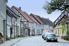 Historische Fachwerkhäuser in der Breiten Straße von Arneburg.