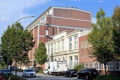 Altes Kontorgebäude und Fabrikhalle der ehem. Phoenix AG in der Wilstorfer Straße in Hamburg Harburg.