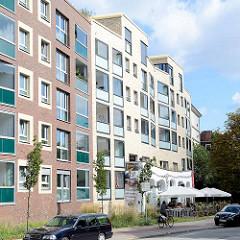Wohngebäude mit Stadtcafé Ottensen - sogen. Hundertwasser Café.