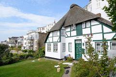 Wohnhäuser im Treppenviertel von Hamburg Blankenes - Reetdachhaus, erbaut 1791.