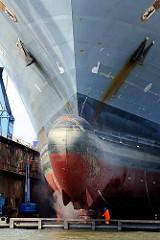 Kriegsschiff A 1411 / Berlin in der Lürssen Norderwerft in Hamburg Steinwerder am Reiherstieg.