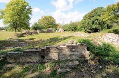 Aussenmauern der Ruine von der ehem. Pfarrkirche St. Marien in Küstrin / Kostrzyn - Polen.