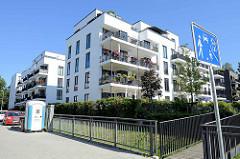 Wohnblocks im Parkquartier Friedrichsberg - ehemaliges Krankenhausgelände in Hamburg Barmbek- Süd / Eilbek.