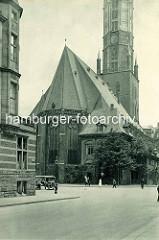 Historische Architektur der Hansestadt Hamburg - Blick zur Rückseite / Kirchenschiff der Hauptkirche St. Jacobi.