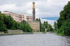 Historische Industriearchitektur am Ufer des Berliner  Teltowkanals - ehem. Sarotti Schokoladenfabrik.
