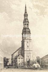 Hamburg früher - Hauptkirche St. Katharinen / Kirchenplatz, Pferdefuhrwerk und Passanten.