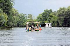 Hausboote auf der Stadthavel bei Brandenburg an der Havel.