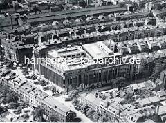 Altes Flugbild der Hamburger Straße in Barmbek Süd - Blick auf das Karstadtgebäude.