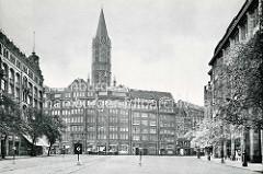 Historische Ansicht vom Pferdmarkt in der Innenstadt Hamburgs - Blick zur Mönckebergstraße und der Sankt Jacobikirche.