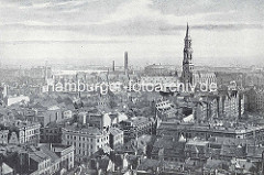Historische Luftaufnahme von der Innenstadt / Altstadt Hamburgs. Blick zur St. Katharinen Kirche, dahinter das Gasometer auf dem Gasbrook - lks. der Kaispeicher B und die Norderelbe.