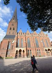 Hamburger Hauptkirche St. Petri an der Bergstraße.