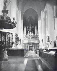 Alte Innenansicht der Katharinenkirche, Kanzel und Orgel.