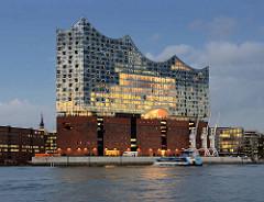 Konzertgebäude Elbphilharmonie - ehem. Kaispeicher A / Kaiserspeicher in der Hamburger Hafencity.