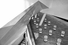 Treppenhaus der der Elbphilharmonie / Elphi in der Hafencity der Hansestadt Hamburg.