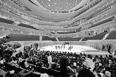 Pressekonferenz im Großen Saal vom Konzerthaus Elbphilharmonie in Hamburg.