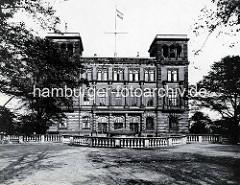 Altes Foto der Deutschen Seewarte auf dem Stintfang.
