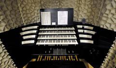 Bedienungsmanuale der Orgel im Hamburger Konzerthaus Elbphilharmonie / Elphi
