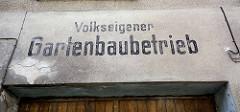 Torüberschrift, Volkseigener Gartenbaubetrieb - Fehrbellin Ostprignitz-Ruppin.
