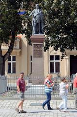 Denkmal Friedrich Wilhelm II. in Neuruppin - Entwurf Karl Friedrich Schinkel, Skulptur Christian Friedrich Tieck, errichtet 1829